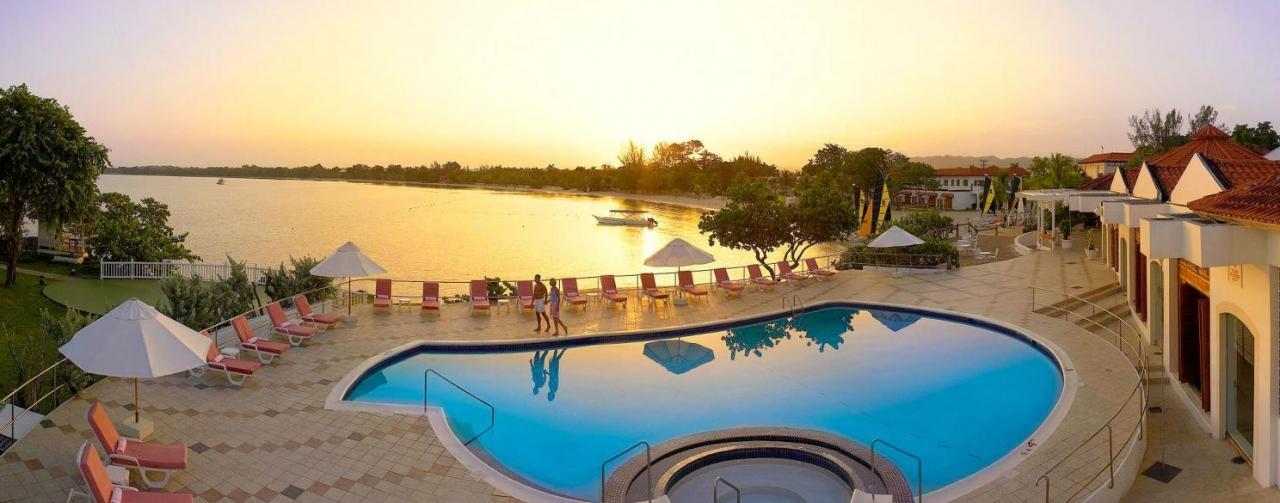 Grand Lido Negril Beach Resort Negril