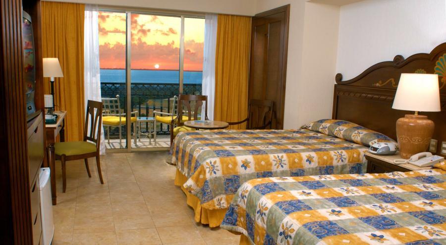 Gr Solaris Cancun All Inclusive Resort Cancun Mexico