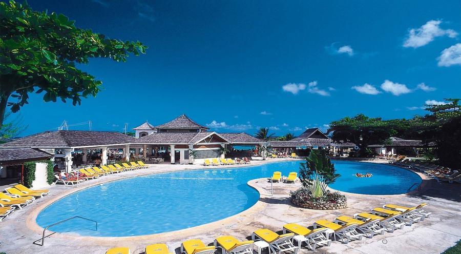 Permalink to Jewel Runaway Bay Beach Golf Resort